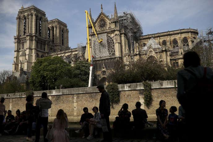 Secourir Notre-Dame de Paris pour ressouder les équipes
