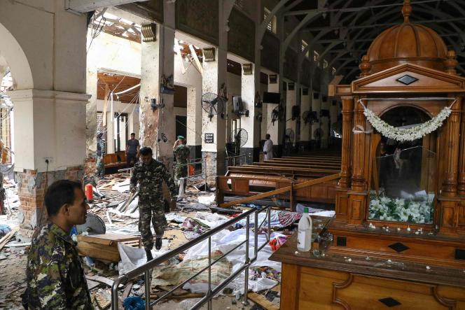 L'intérieur de l'église Saint-Antoine de Colombo (Sri Lanka), après l'explosion lors d'une messe pour célébrer Pâques, le 21 avril.