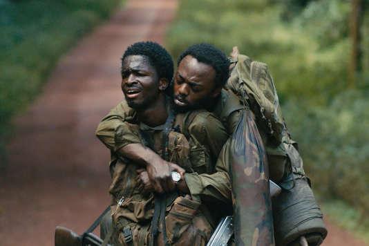 Faustin, l'ex-paysan (Stéphane Bak, à gauche) et le sergent Xavier (Marc Zinga), perdus en RDC.
