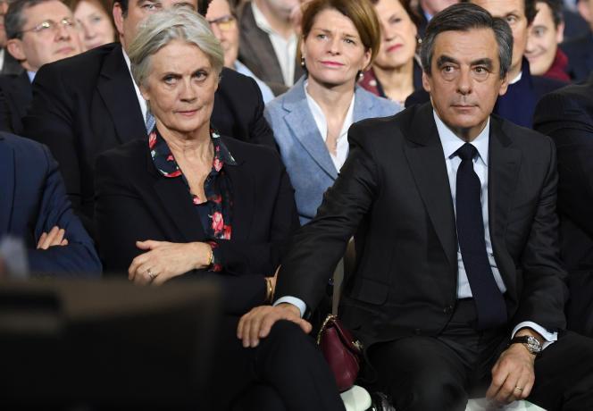 Penelope etFrançois Fillonlors d'un meeting électoral pour les élections présidentielles, le 29 janvier 2017 à Paris.
