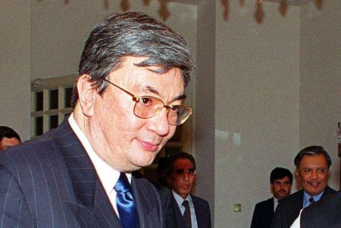 La candidature de M. Tokaïev a été soutenue à l'unanimité par les 600 délégués du parti Nour-Otan réunis en congrès extraordinaire dans la capitale Nour-Soultan.