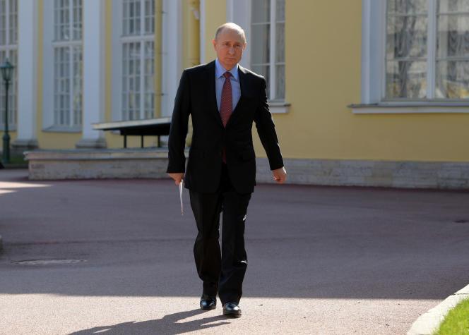 Le président russe, Vladimir Poutine, à Saint-Pétersourg, le 24 avril.