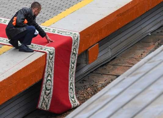 Derniers préparatifs à la gare de Vladivostok, avant l'arrivée Kim Jong-un, le 24 avril.
