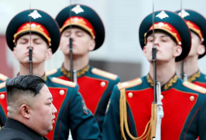 Kim Jong-un à son arrivée à la gare deVladivostok, dans l'Extrême-Orient russe, le 24 avril.