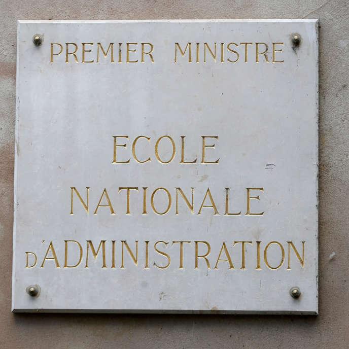 « Il apparaît essentiel, comme le préconisait d'ailleurs le CESE, de revoir les programmes de formation initiale des écoles de la fonction publique, pour assurer une plus grande polyvalence des personnels recrutés» (L'entrée de l'Ecole nationale d'administration, à Strasbourg).