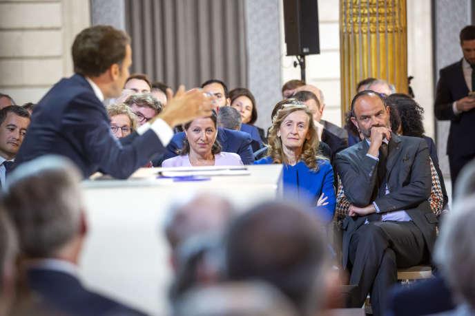 Edouard Philippe pendant la conférence de presse d'Emmanuel Macron à l'Elysée à Paris, le 25 avril.