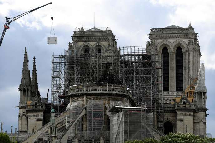 Les travaux en cours sur la cathédrale Notre-Dame de Paris, le 26 avril.