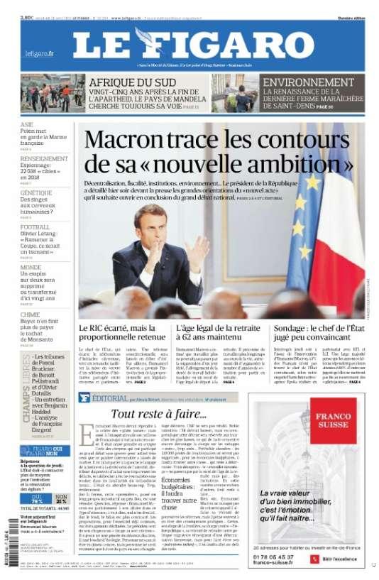 """« Le Figaro» est plus optimiste et estime que le président« trace les contours de sa nouvelle ambition».« Tout reste à faire», prévient cependant le directeur des rédactions Alexis Brézet.«Sur la forme, cette """"première"""", passé un long propos introductif un peu flou, est une réussite», estime-t-il.«Sur le fond, le bilan est plus contrasté. Les propositions, pour l'essentiel déjà connues, ont été sagement déclinées. Le président sort de son chapeau un """"tirage au sort citoyen"""". Il rajoute ici une pincée de décentralisation, là une louche d'écologie. Personne ne saurait être vraiment contre, mais personne ne croit vraiment que la face du pays en sera changée. »"""