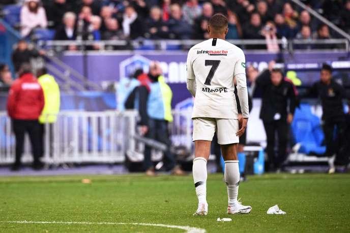 Kylian Mbappé avait écopé d'un carton rouge à la 119e minute de la finale de la Coupe de France Rennes-PSG, samedi 27 avril.