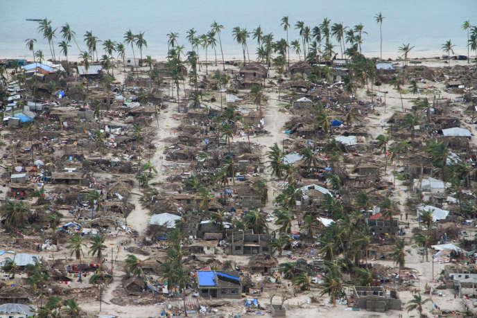 Vue aérienne des dégâts subis dans le district de Macomia, au Mozambique, le 27 avril 2019, après le passage du cyclone Kenneth.