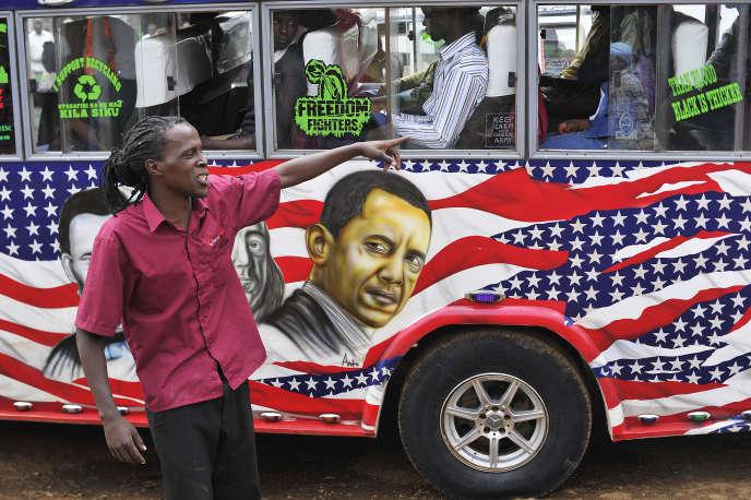 Un chauffeur de« matatu» à Nairobi, en juillet 2015.