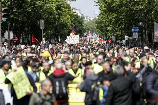 Manifestation à Paris, le 27 avril.