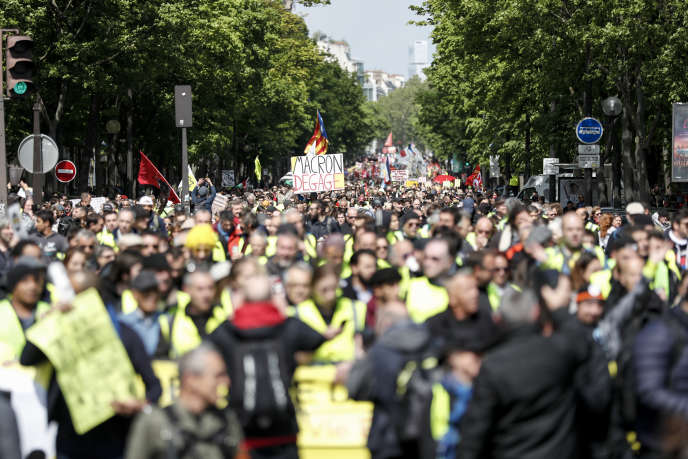 Manifestation à Paris, le 27 avril.