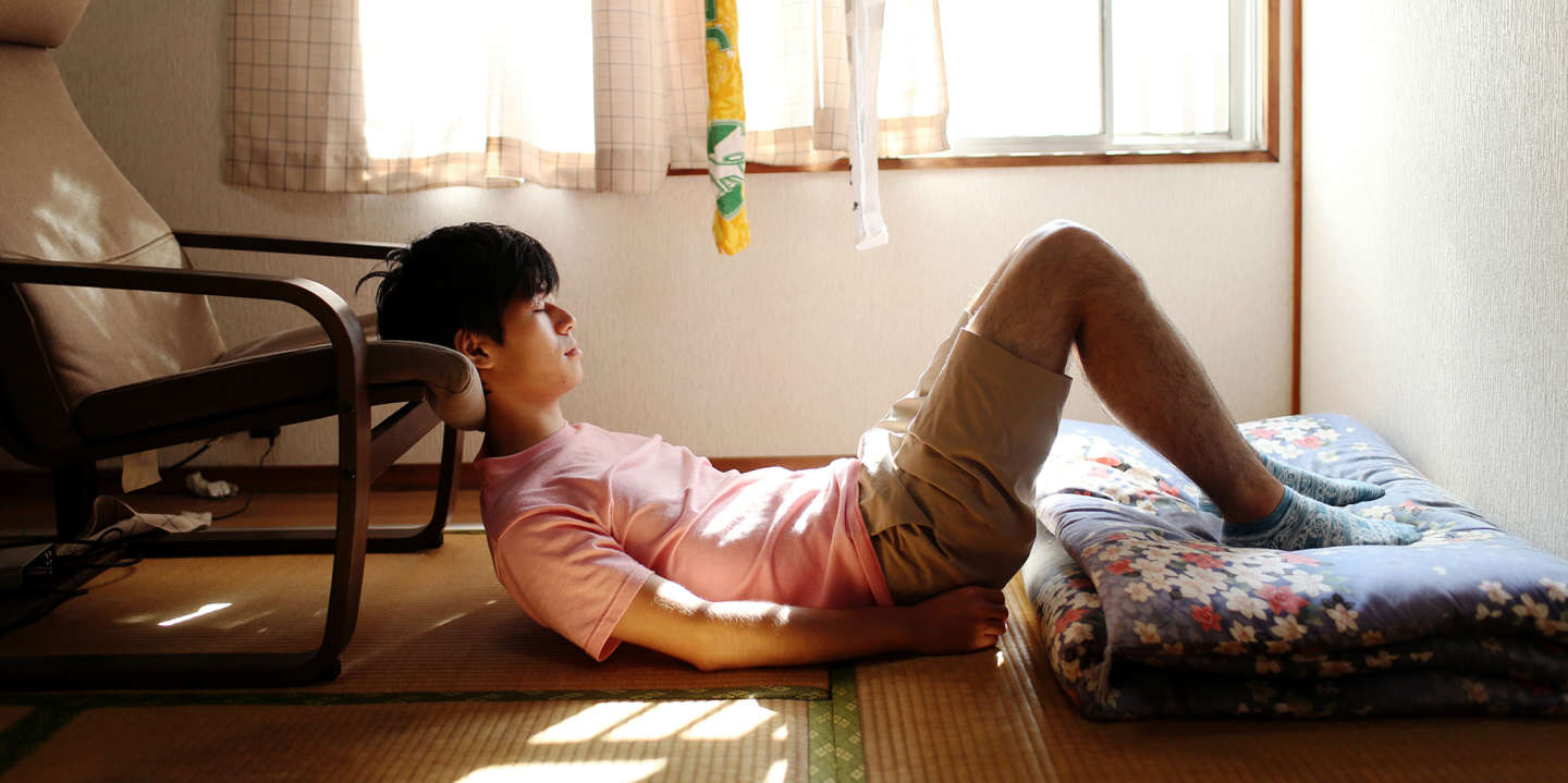 Chujo, 24, has been a hikikomori for two years. He dreams of being a singer, but his family want him to work in business. After working in one company for a year, and experiencing too much stress, Chujo decided to lock himself in his room.