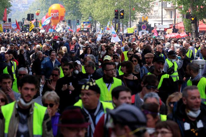 Défilé du 1er-Mai, à Paris.
