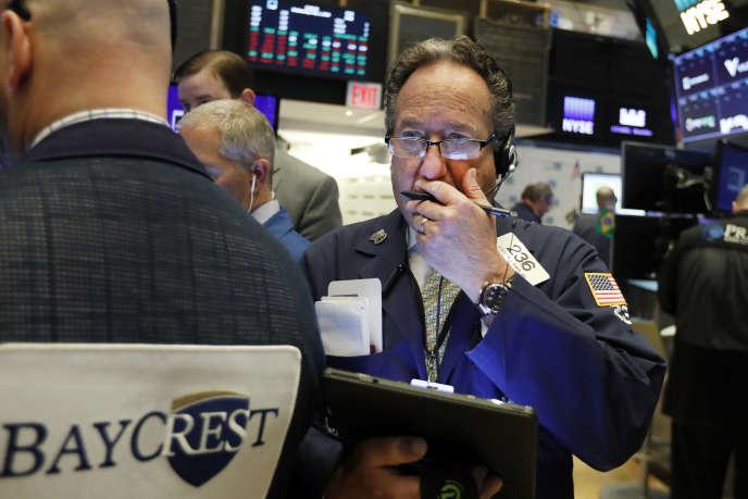 Les investisseurs craignent un retour de l'inflation aux Etats-Unis qui pourrait inciter la Fed à relever ses taux directeurs.