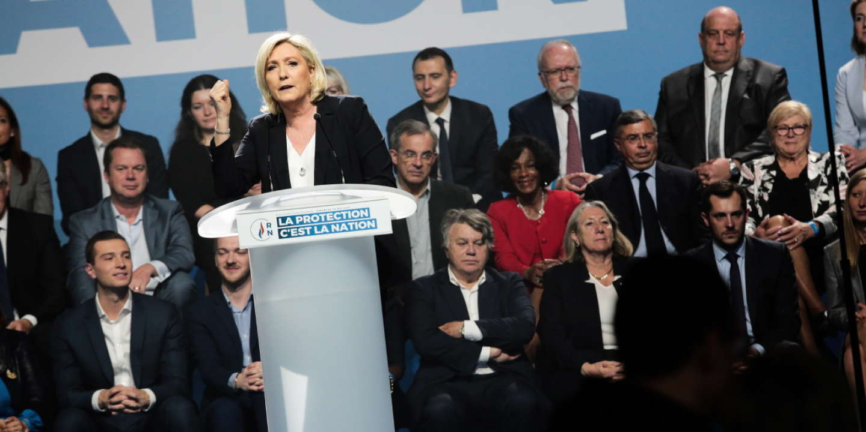Calendrier Meeting Macron 2019.Marine Le Pen Accuses The Eu In Metz Chernobyl Economy
