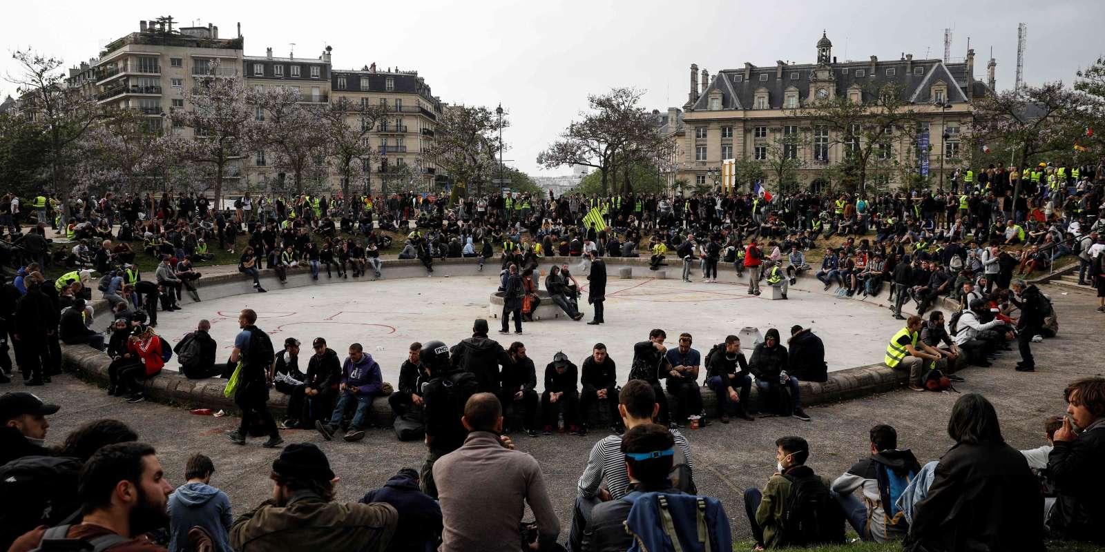 Le cortège se disperse place d'Italie, à Paris, le 1er mai 2019.