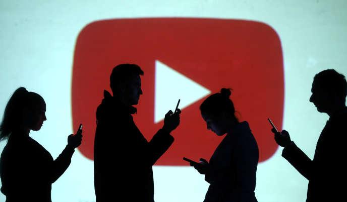 En avril 2018, des associations avaient déposé une plainte contre YouTube, lui reprochant la collecte de données effectuée sur des utilisateurs mineurs.