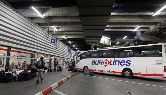 Un autocar Eurolines à Bagnolet, en 2012.