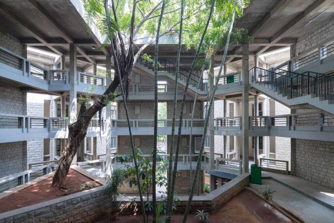 L'Indian Institute of Management à Bangalore en Inde (IIMB) a été conçu par Balkrishna Doshi.