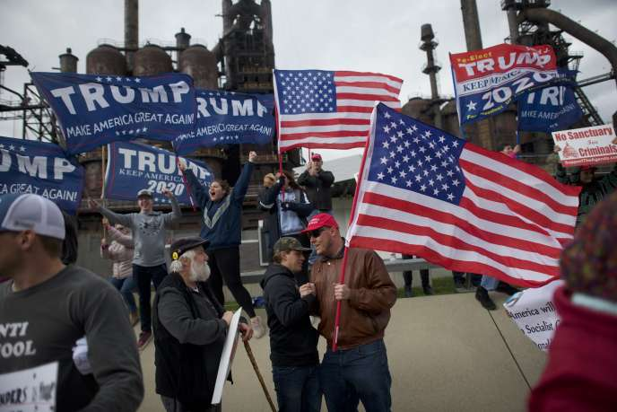 Rassemblement en soutien à Donald Trump devant une aciérie à Bethlehem, en Pennsylvanie, le 15 avril.