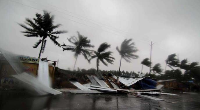En périphérie de Puri, dans l'Etat indien d'Odisha où ont été enregistrés des vents dépassant 200 km/h lors du passage du cyclone Fani, le 3 mai.