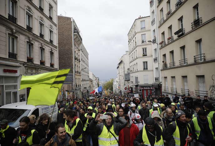 Les « gilets jaunes» défilent à Paris, samedi4mai 2019, pour la 25e semaine successive.