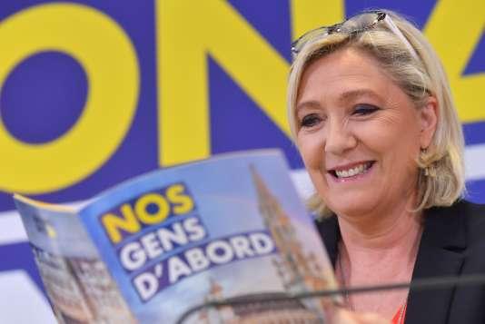 Marine Le Pen à Bruxelles, dimanche 5 mai, durant une conférence de presse avec le parti flamand Vlaams Belang.