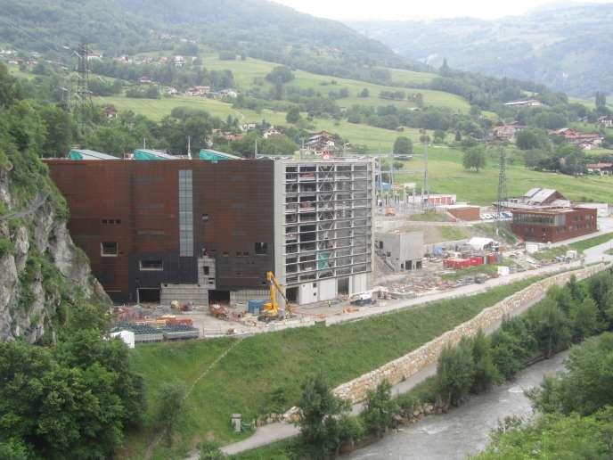 La centrale hydroélectrique de La Coche (Savoie), pendant les travaux d'installation d'une turbine supplémentaire, en mai 2018.