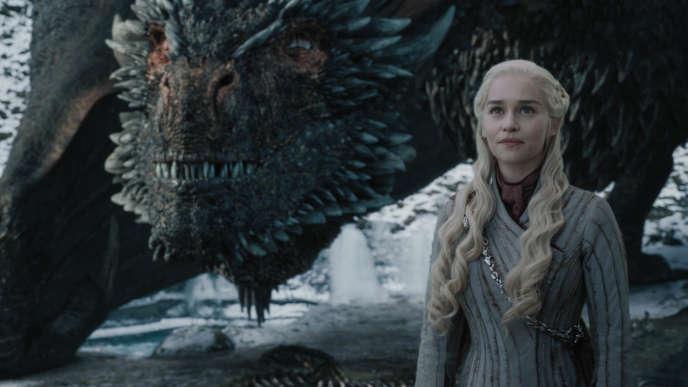 Emilia Clarke (Daenerys Targaryen) dans une scène de l'épisode 4.