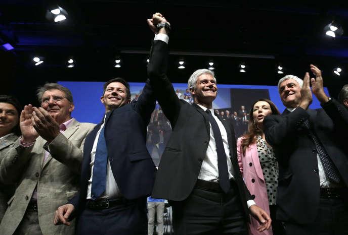 François-Xavier Bellamy, tête de liste des Républicains (LR) aux européennes, et Laurent Wauquiez, le président de LR, à Marseille, le 6 mai.