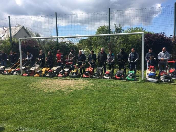 La première édition de la course s'est déroulée, samedi 4 mai, sur la stade de foot de Courbeveille (Mayenne).