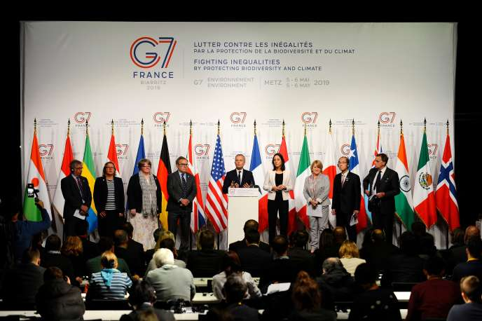 Les ministres de l'environnement du G7– dont, au centre, le Français François de Rugy– ont adopté une charte pour la biodiversité à Metz, le 6 mai.