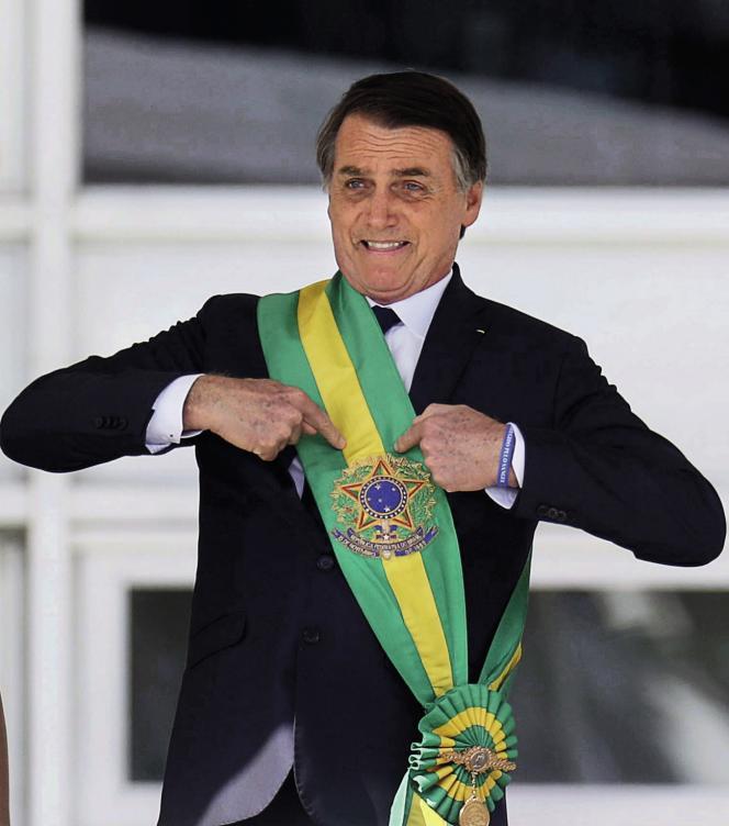 Sous l'impulsion du président d'extrême droite Jair Bolsonaro (ici en janvier), les crédits culturels se tarissent au Brésil.