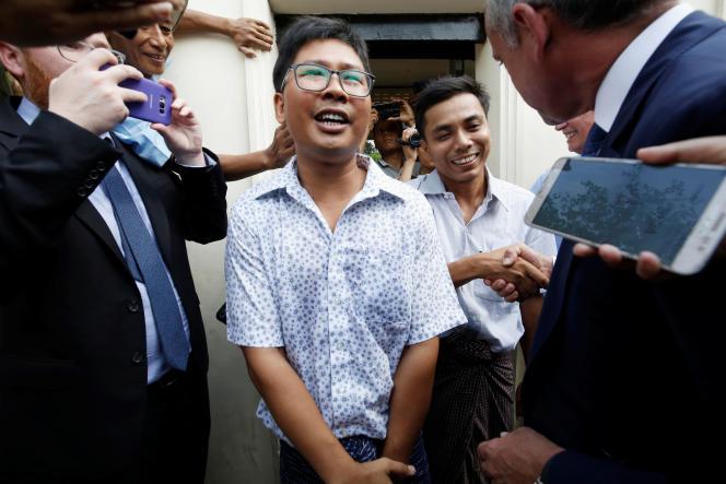Wa Lone et Kyaw Soe Oo, les deux journalistes de Reuters condamnés à sept ans de prison en Birmanie, ont été libérés le 7 mai.