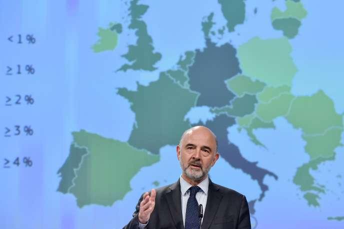 Pierre Moscovici, commissaire européen aux affaires économiques et financières, à la fiscalité et aux douanes, à Bruxelles, le 7 mai.
