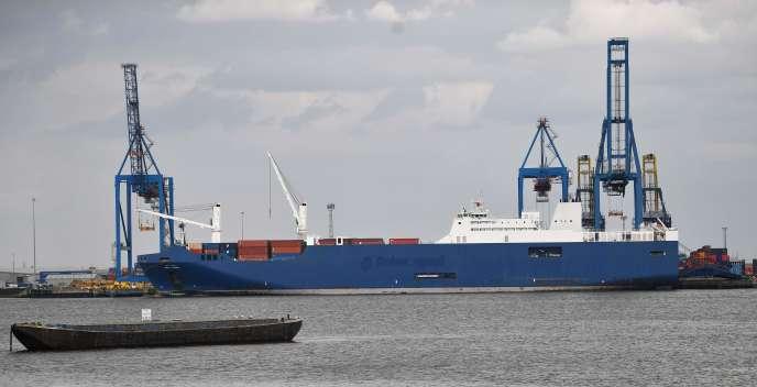 Le«Bahri-Yanbu» dans le port de Tilbury à Essex, en Angleterre, le 7 mai.