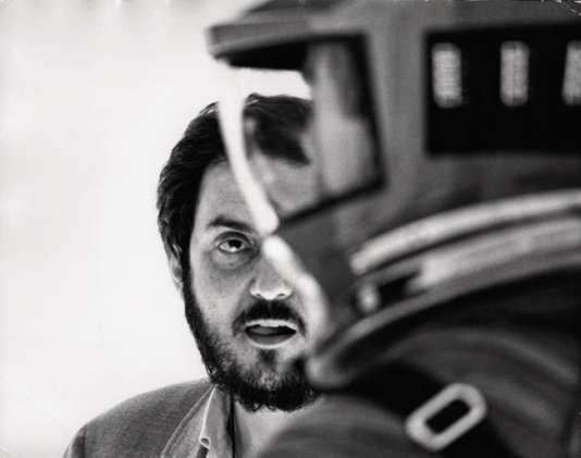 Stanley Kubrick sur le tournage du film de science-fiction «2001, L'Odyssée de l'espace».