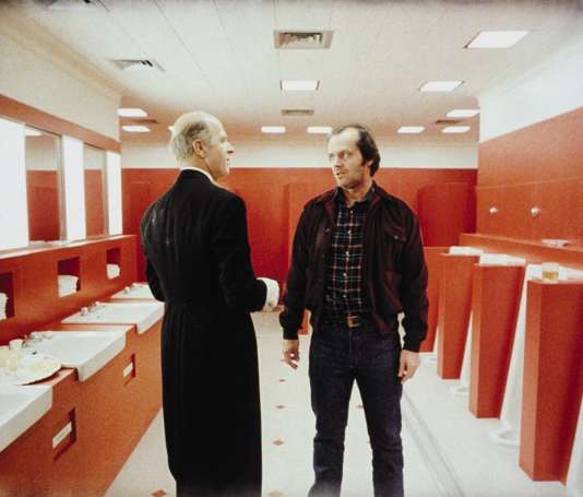 Les acteurs Philip Stone et Jack Nicholson dans «Shining», dont le réalisateur a supervisé la construction des décors en studio.