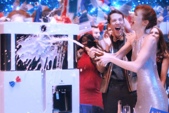 Dans « Yves », de Benoît Forgeard, le cœur de Doria Tillier balance entre un rappeur et un réfrigérateur.