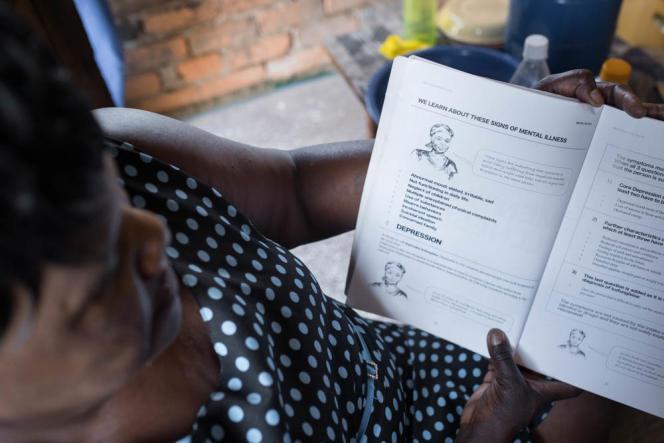 Abigale Chiyanga est conseillère au sein du programme «Friendship Benches» à Budidiro, en banlieue de Harare.