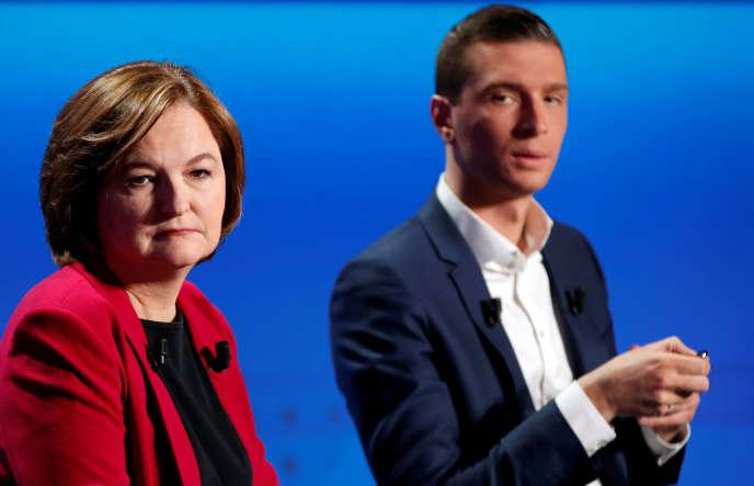 Nathalie Loiseau, tête de liste de la majorité, et Jordan Bardella, son rival du Rassemblement national, lors d'un débat télévisé à Paris, le 4 avril.