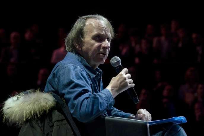 L'écrivain français Michel Houellebecq lors du débat au Cirque d'hiver le 25 avril àParis.