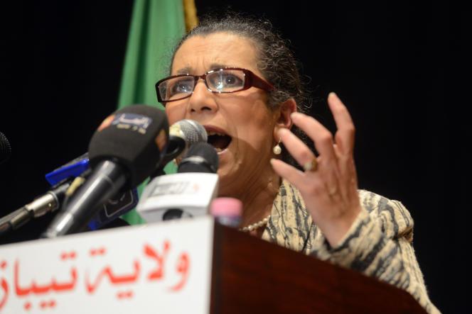 La secrétaire générale du Parti des travailleurs, Louisa Hanoune, lors d'un meeting à Kolea, en Algérie, le 8avril 2014.
