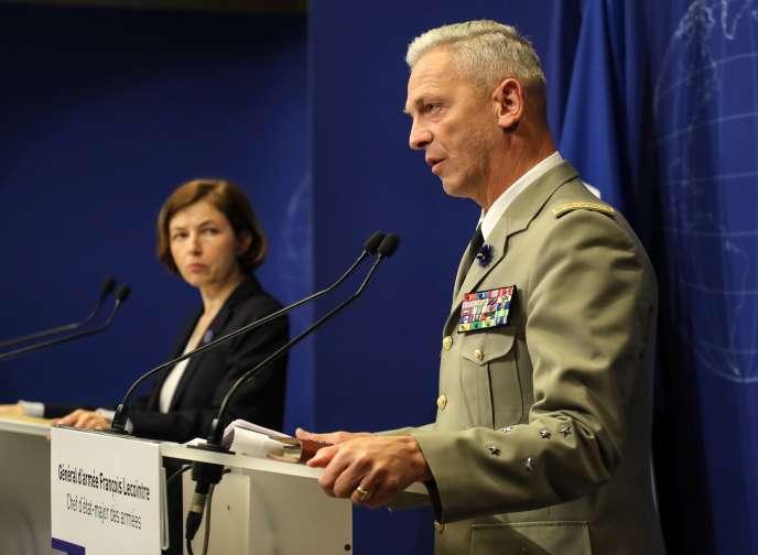 La ministre des armées française, Florence Parly, et le chef d'état-major, le général François Lecointre, à Paris, le 10 mai.