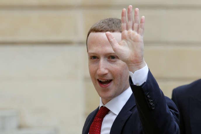 Le PDG de Facebook, Mark Zuckerberg, à son arrivée à l'Elysée pour une rencontre avec le président de la République, Emmanuel Macron, le 10 mai 2019.