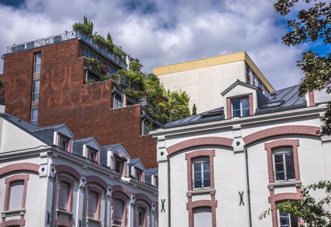 Paris, petite ville où la densité de population est élevée avec plus de 26000habitants au kilomètre carré, contre par exemple 10700 à Lyon. (Photo: Paris 19e arrondissement, quartier Belleville.)