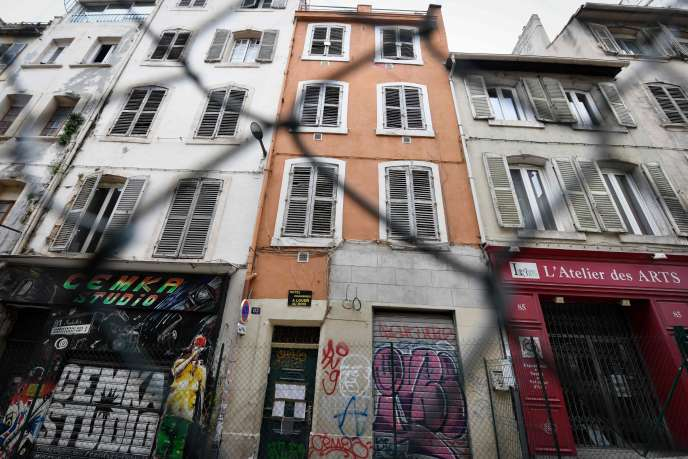 Un immeuble évacué rue d'Aubagne à Marseille, le 2 mai.