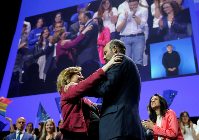 Nathalie Loiseau et Edouard Philippe, lors du meeting de Strasbourg, le 11 mai.